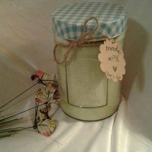 Handmade 32 oz Honeysuckle/Pear Soy Candle